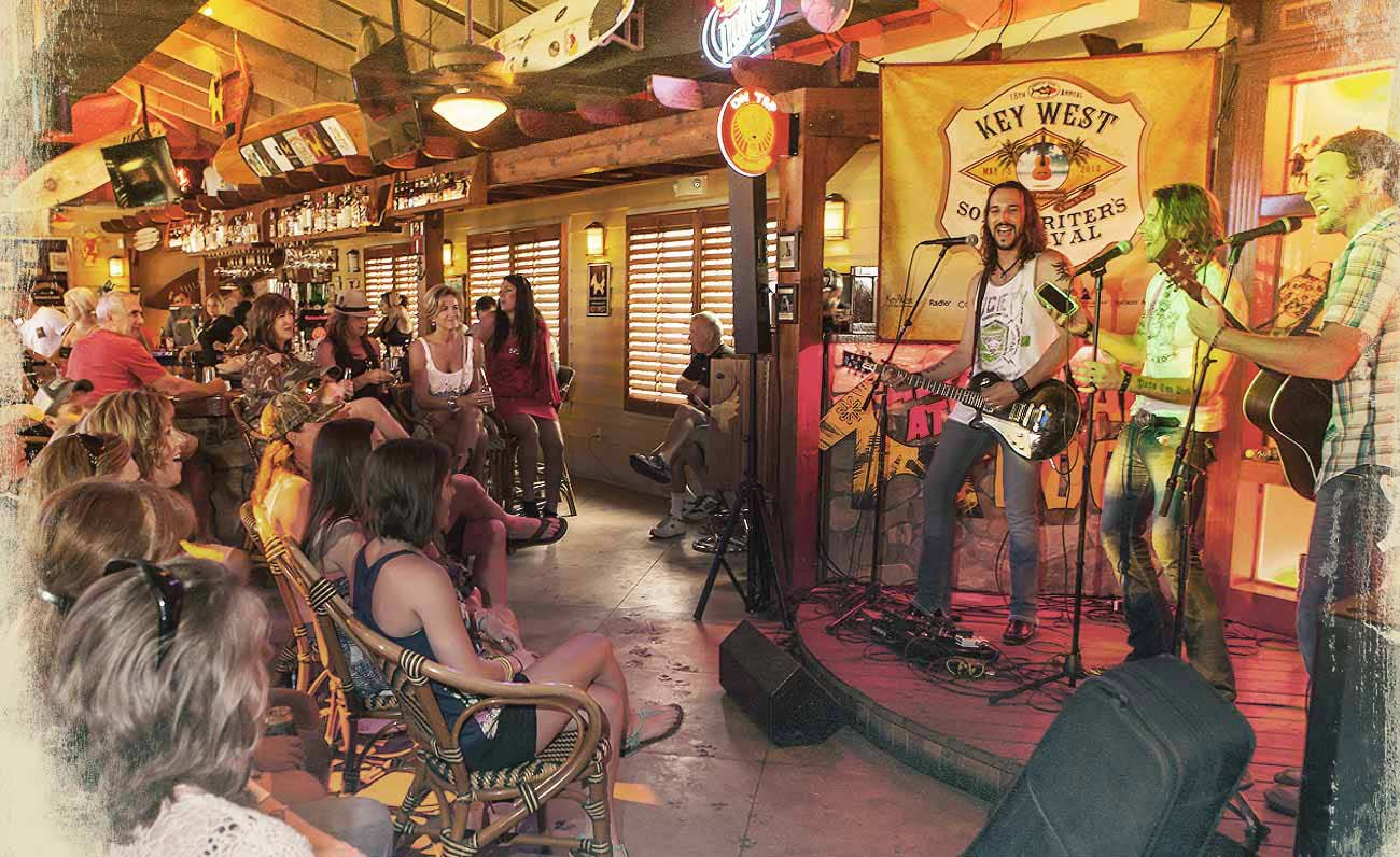 Key West Bars | Island Dogs Rated Among The Best Bars In Key West